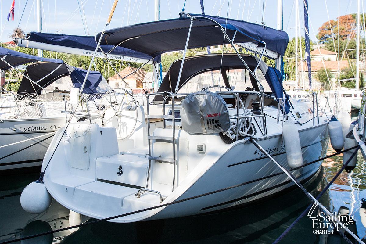 Cyclades 39 3 | Rent a Sailboat Split