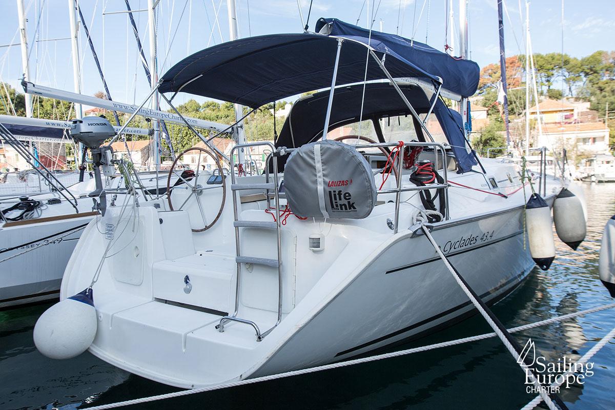 Cyclades 43 4| Sailboat Rental Croatia